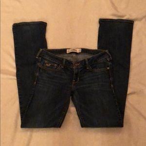 Hollister 3R dark wash bootcut jeans